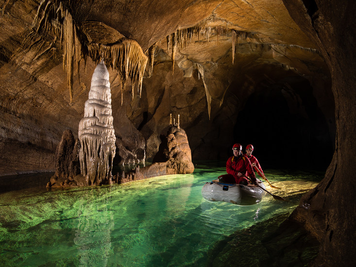 Caves-in-Meghalaya-Tour-Destinations